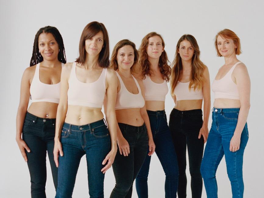 Toutes ces femmes portent la brassière SoftStretch Octobre Rose à 15€